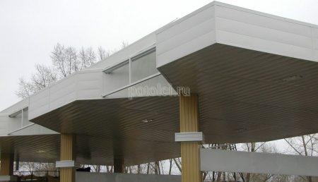 Вентилируемый реечный фасад