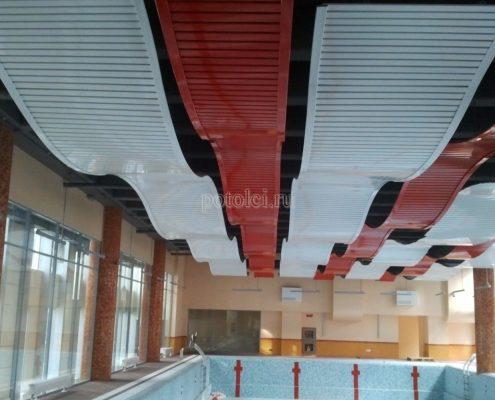 Радиусный реечный потолок, тип 80В, Luxalon