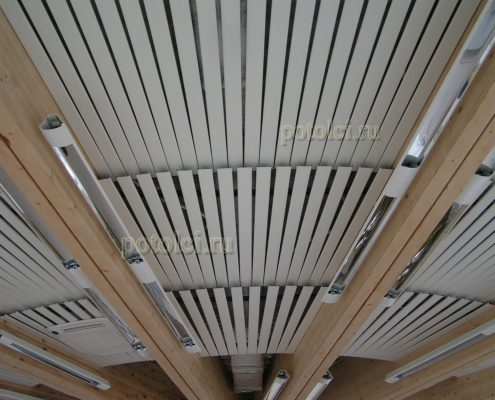 Потолок алюминиевый реечный, панели тип 84R Люксалон