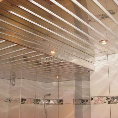 Подвесной реечный алюминиевый потолок