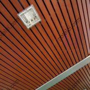 Прямолинейные деревянные потолки Люксалон