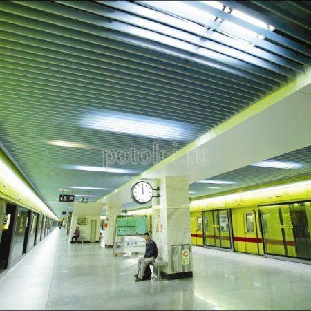 Вертикальный реечный потолок
