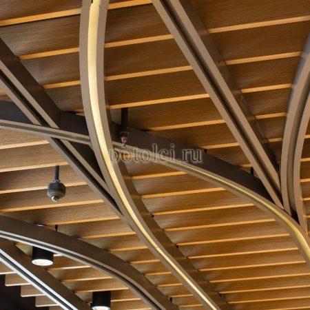 Деревянный реечный потолок GRID