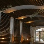 Деревянный реечный потолок. Частный проект