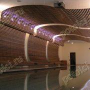 Подвесные деревянные реечные потолки Luxalon. Оформление потолка бассейна частного дом в Барвихе.а