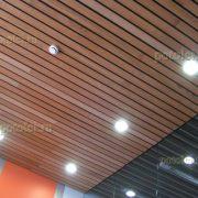 Подвесные реечные потолки из массива дерева Люксалон