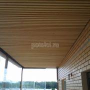 Реечный потолок Грид из дерева Кото