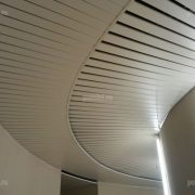 Реечный потолок Luxalon, тип 80b. Радиусный монтаж