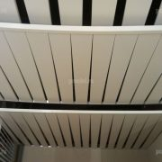 Кубообразный реечный потолок Luxalon 80b.