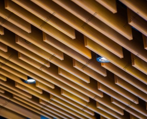 Кубообразный реечный потолок в интерьере и его особенности
