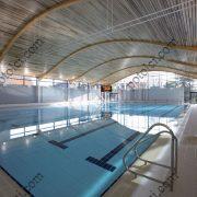 Деревянные реечные потолки Люксалон в бассейне