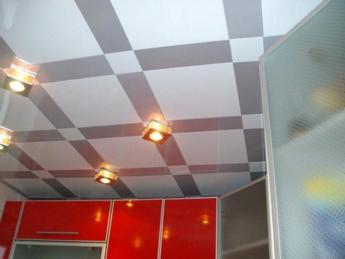 Подвесные кассетные потолки на кухне