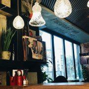 Подвесные кубообразные потолки Бард в ресторане