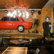 Отделка потолка панелями Кубота БАРД в ресторане на Петровке